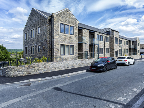 2 Bedroom apartments in Honley