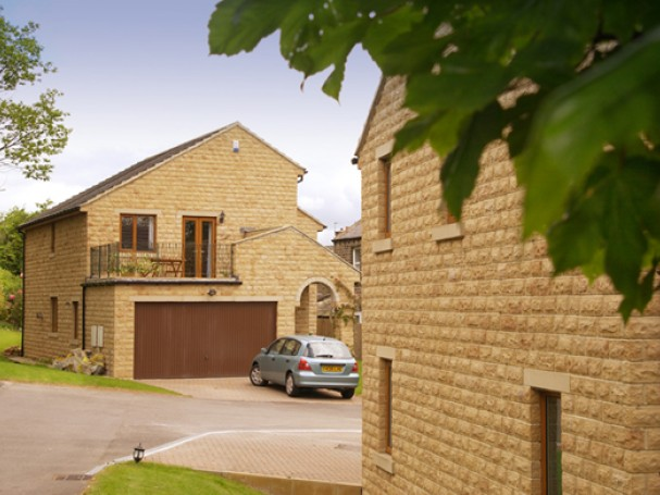 Individually designed 4/5 bedroom home in Meltham, Holmfirth.