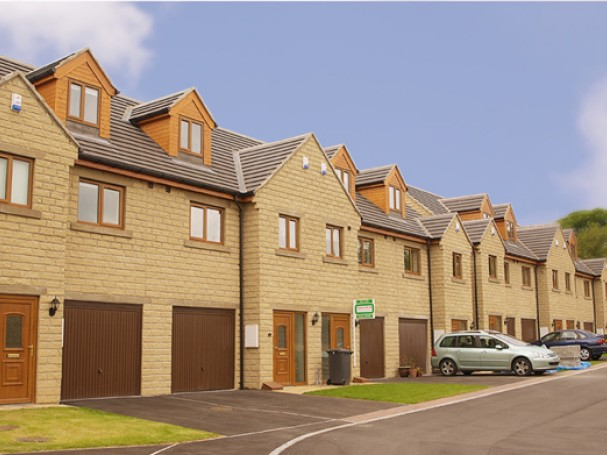 3 bedroom mews homes in Thurgoland.